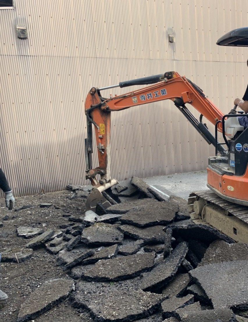 京都市 解体工事 「 下京区  アスファルト捲り及びCBブロック塀解体工事」