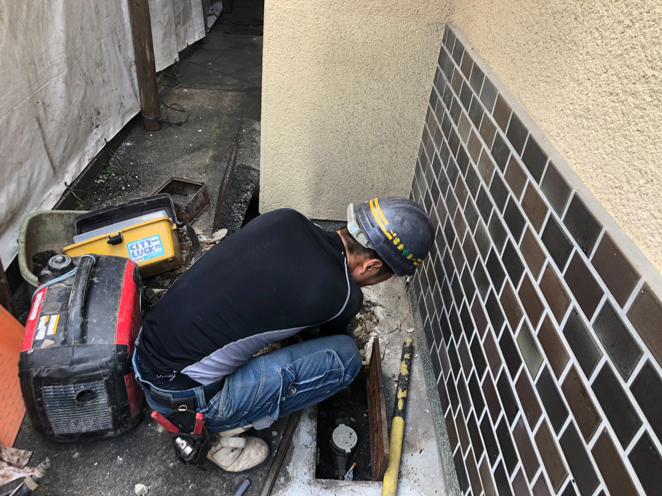 京都府 解体工事 「 向日市森本町 木造2階建 」 DAY1 着工